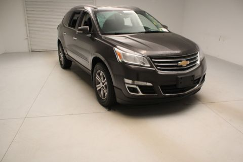Pre-Owned 2017 Chevrolet Traverse  AWD